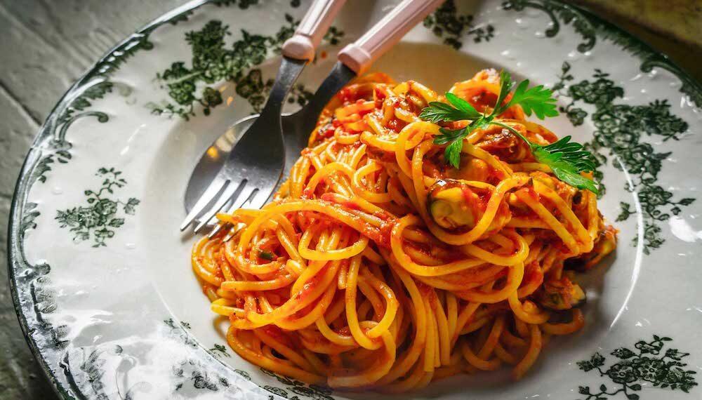 Celebrata la Giornata dello spaghetto, tra i molti applausi non mancano i fischi