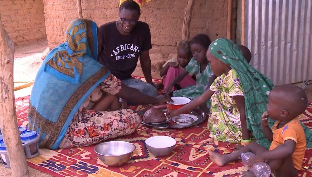 Chad: pesce al sesamo e salsa di erba brusca con Pierre Thiam