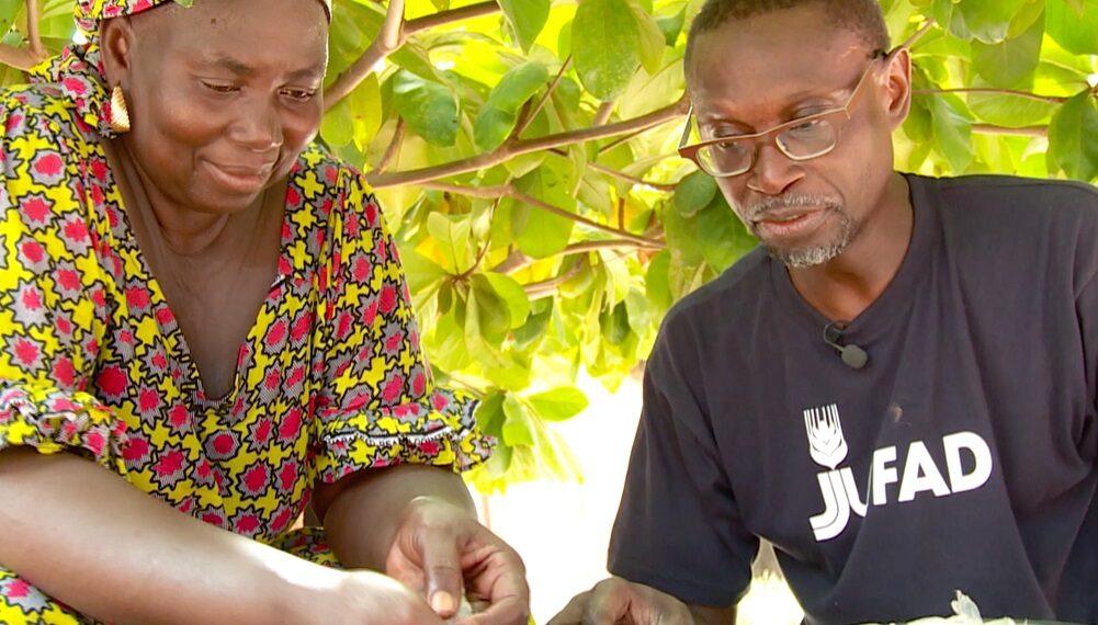 Senegal: Pollo Yassa (chef Pierre Thiam)