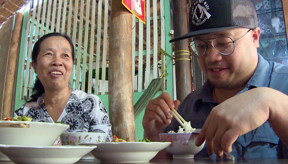 Vietnam: zuppa di pesce gatto in salsa agrodolce (chef Bjorn Shen)